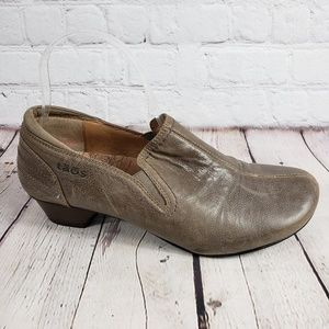 Taos Brown Slip On Clogs Womens 9.5 EU 40 Shoes